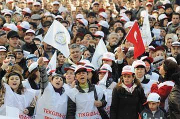 TEKEL DİRENİŞİNDEN NOTLAR/ ATAOL BEHRAMOĞLU