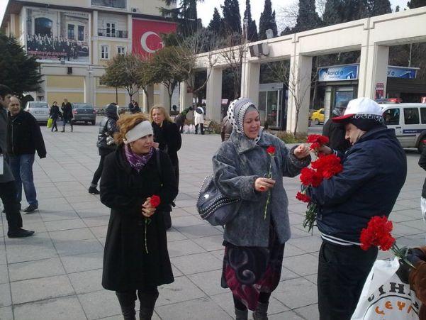TEKGIDA-İŞ İSTANBUL ŞUBESİ 8 MART KADIN EMEKÇİLER GÜNÜNÜ BAKIRKÖY'DE KUTLADI