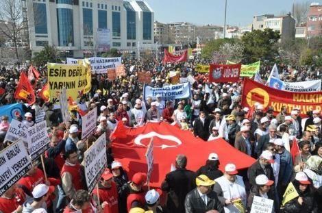 İSTANBUL'DA 3 BİN KİŞİLİK YÜRÜYÜŞ